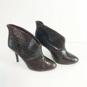 Vince Camuto Caden Black Embossed 8.5 Ankle boots